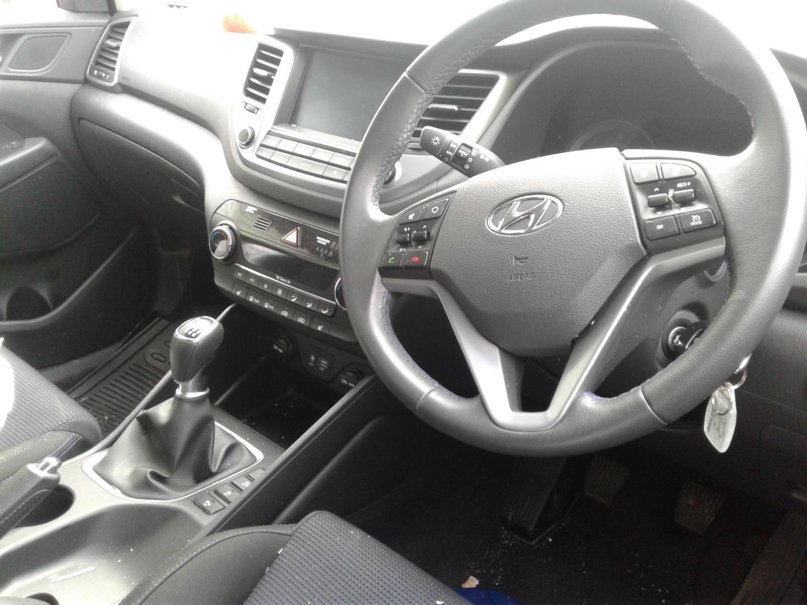 2016 Hyundai TUCSON CRDI SE NAV BLUE DRIVE Image