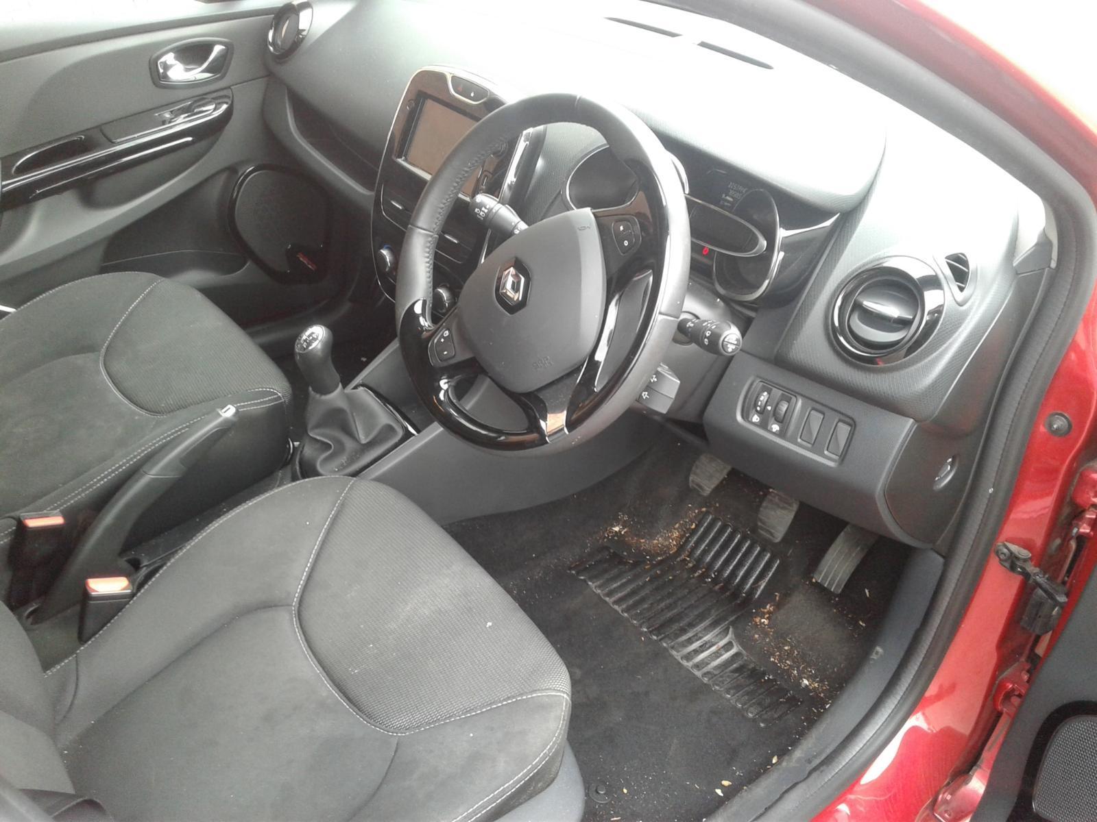 2014 Renault CLIO DYNAMIQUE MEDIANAV Image
