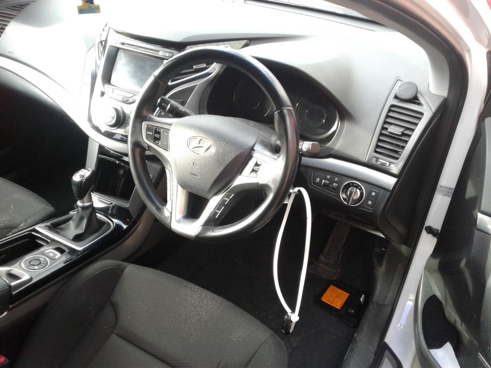2014 Hyundai I40 CRDI STYLE BLUE DRIVE Image