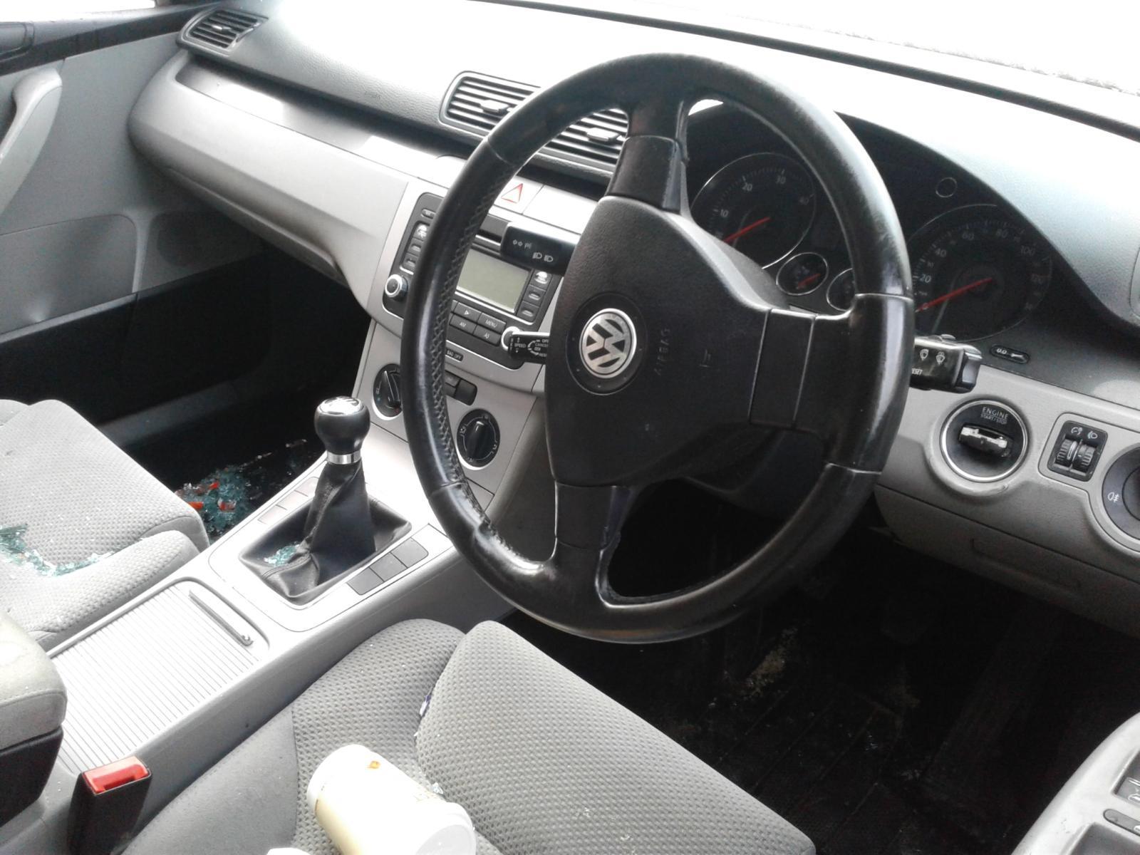 2005 Volkswagen PASSAT TDI SE Image