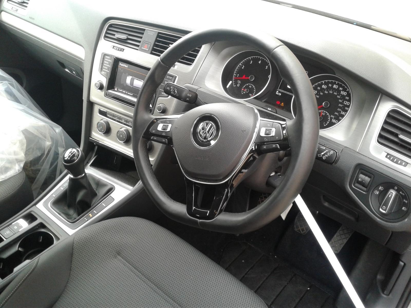 2014 Volkswagen GOLF MATCH TSI BLUEMOTION TECHNOLOGY Image