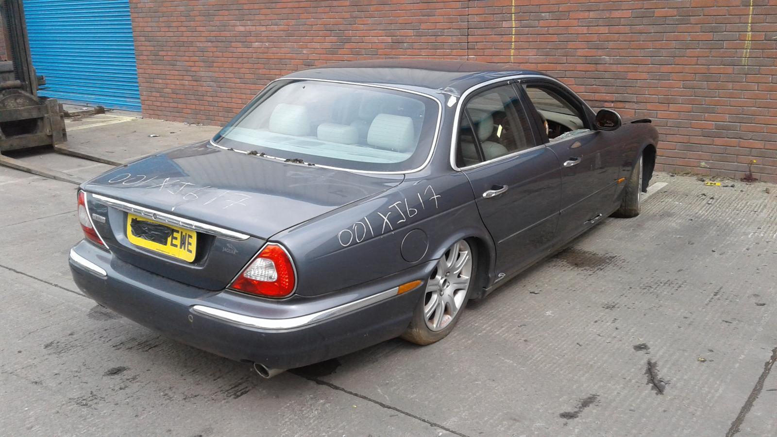 2004 Jaguar XJ V6 SE Image