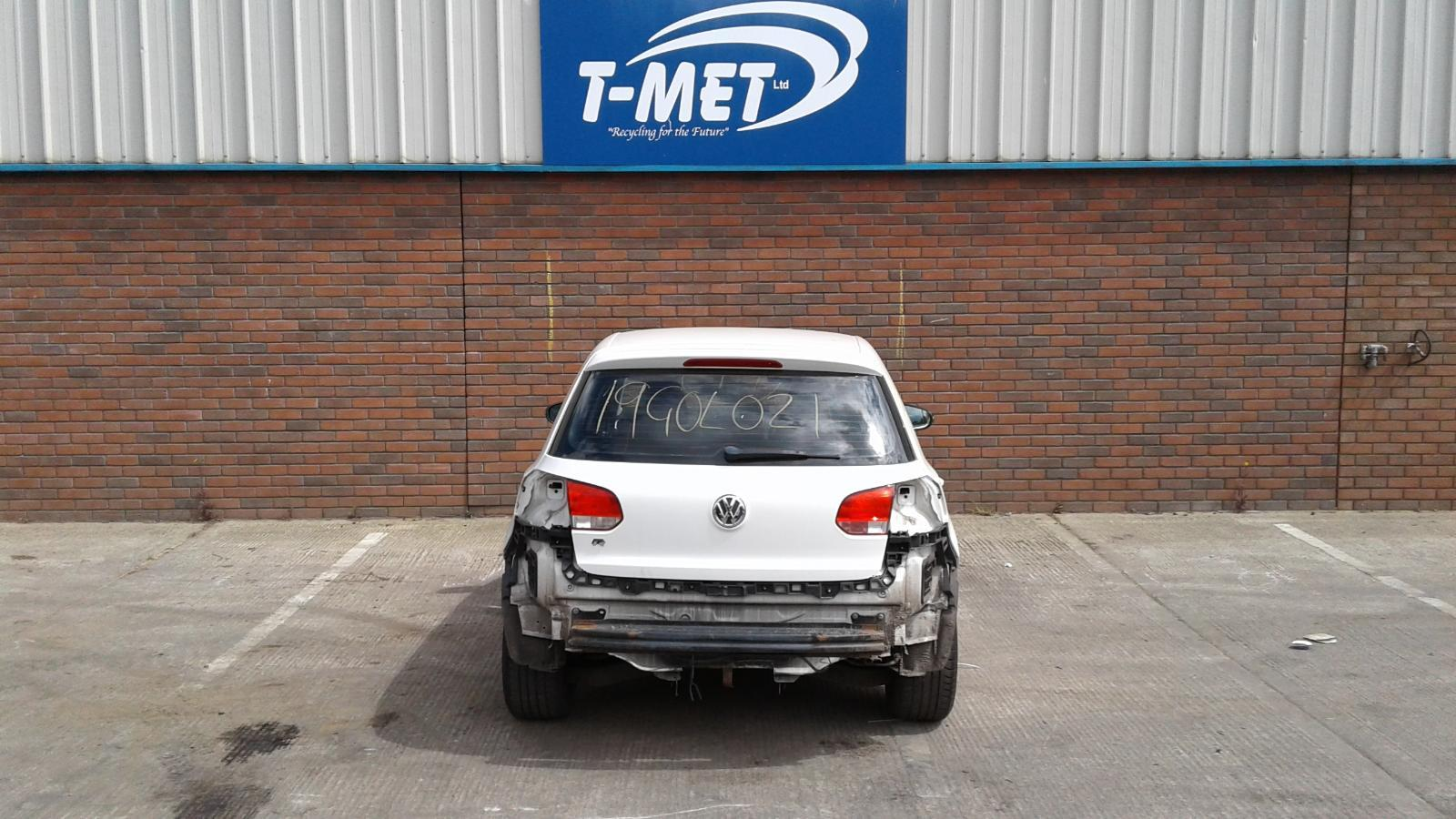 2010 VOLKSWAGEN GOLF BLUEMOTION SE TDI Image