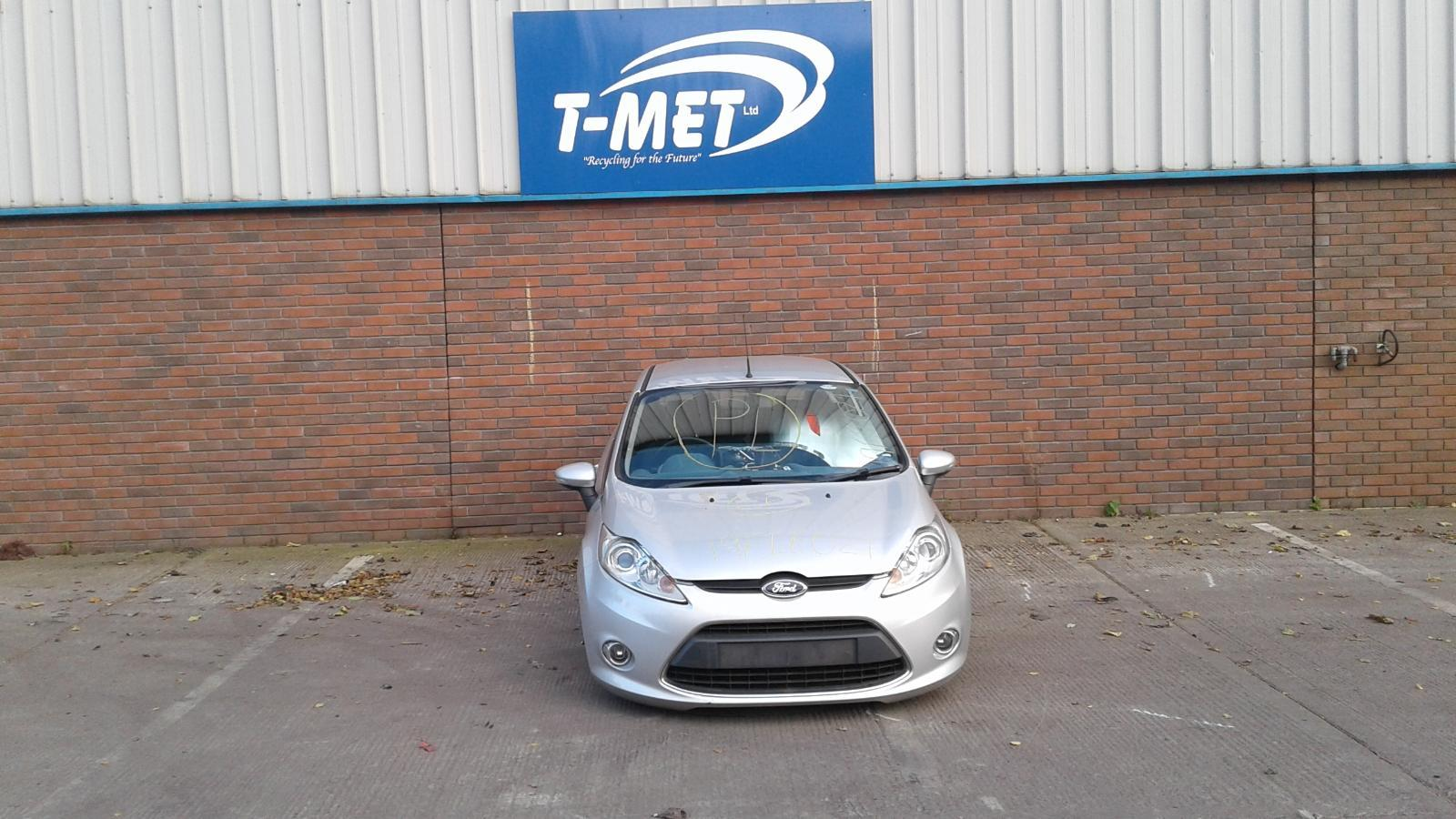 2010 FORD FIESTA Image