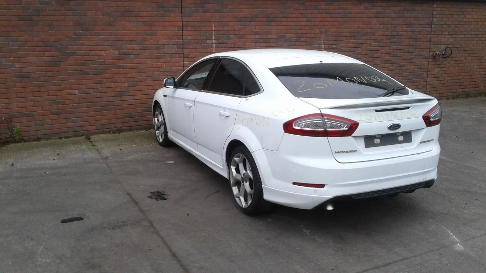 2014 FORD MONDEO Image