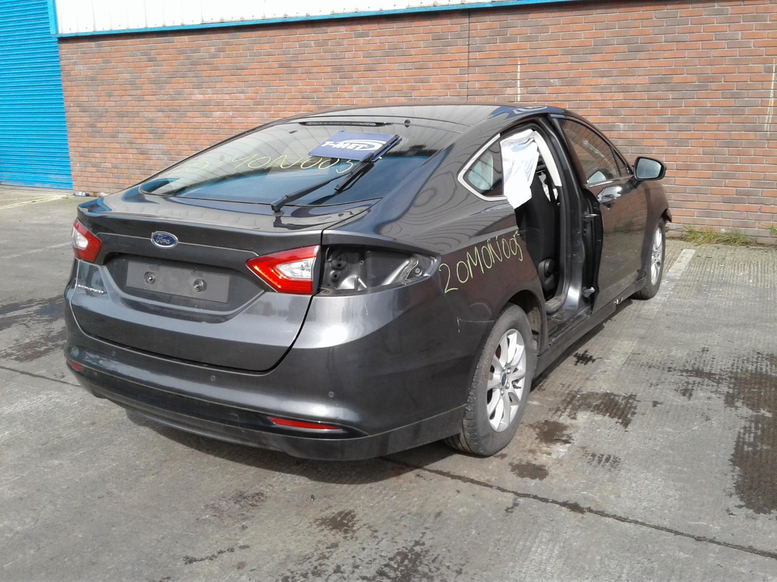 2015 FORD MONDEO Image