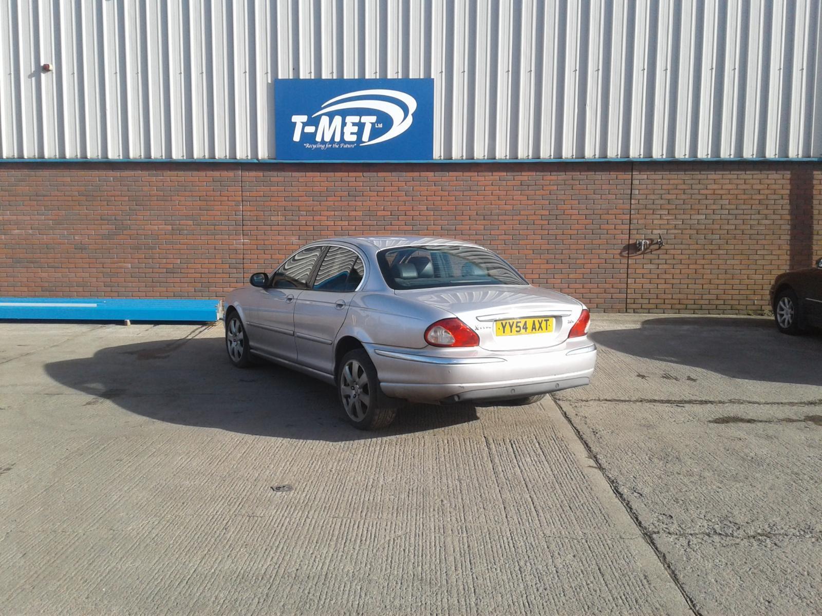 2004 Jaguar X TYPE SE Image