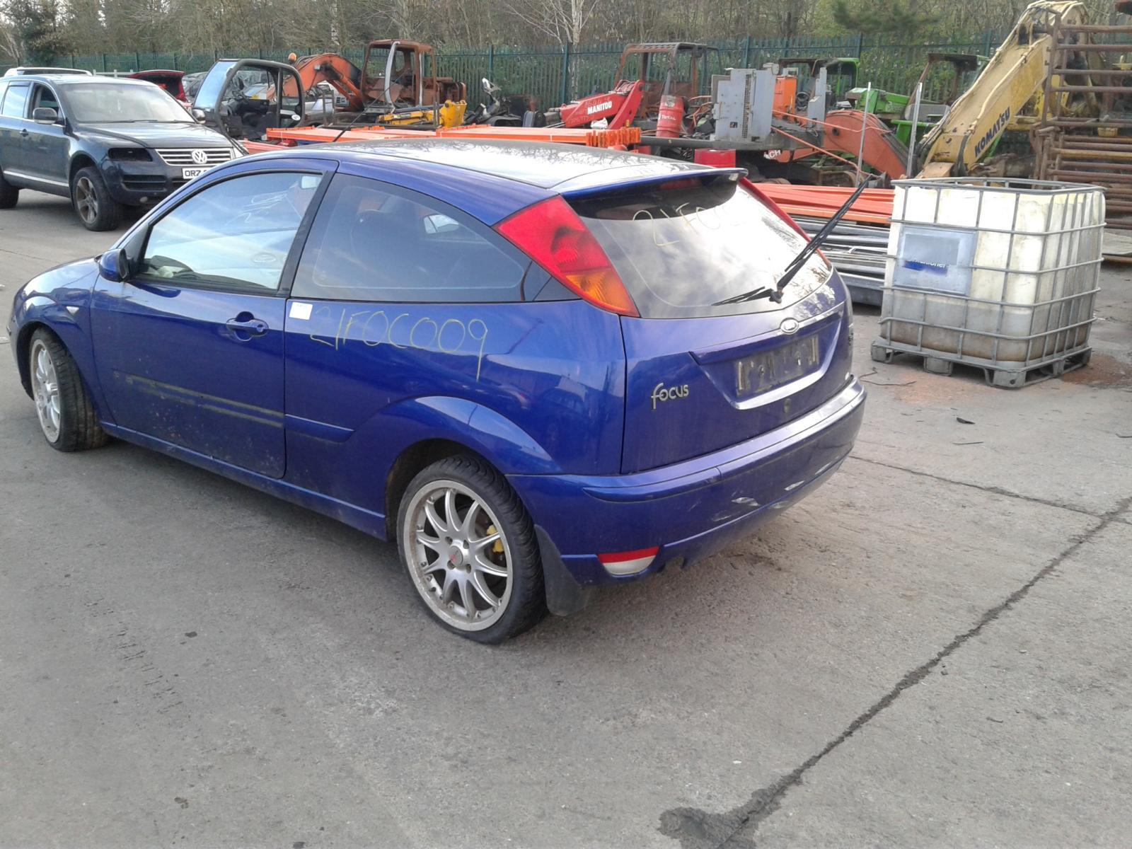 2004 FORD FOCUS Image