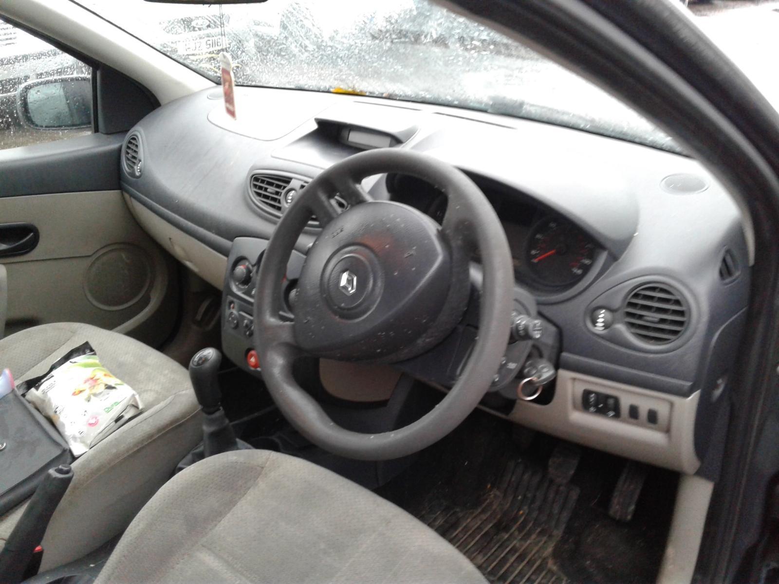 2006 RENAULT CLIO Image