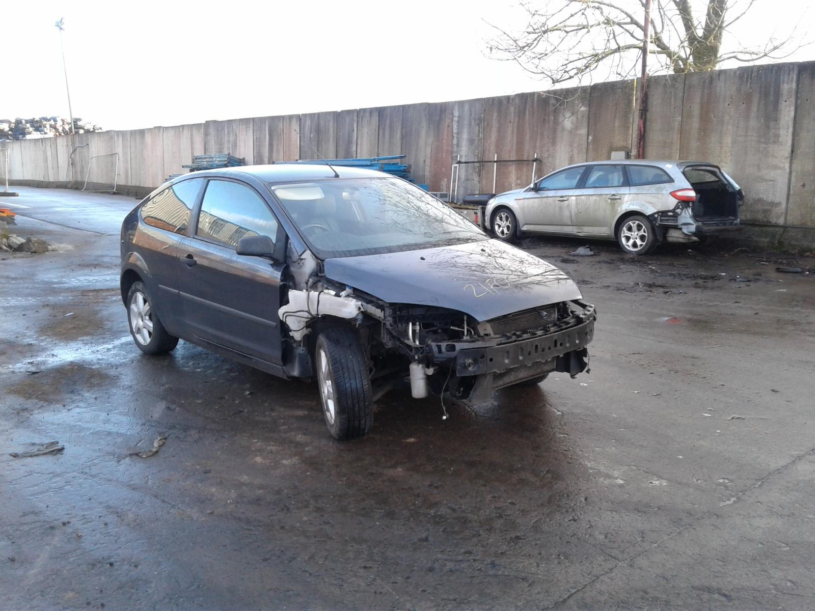 2005 FORD FOCUS Image