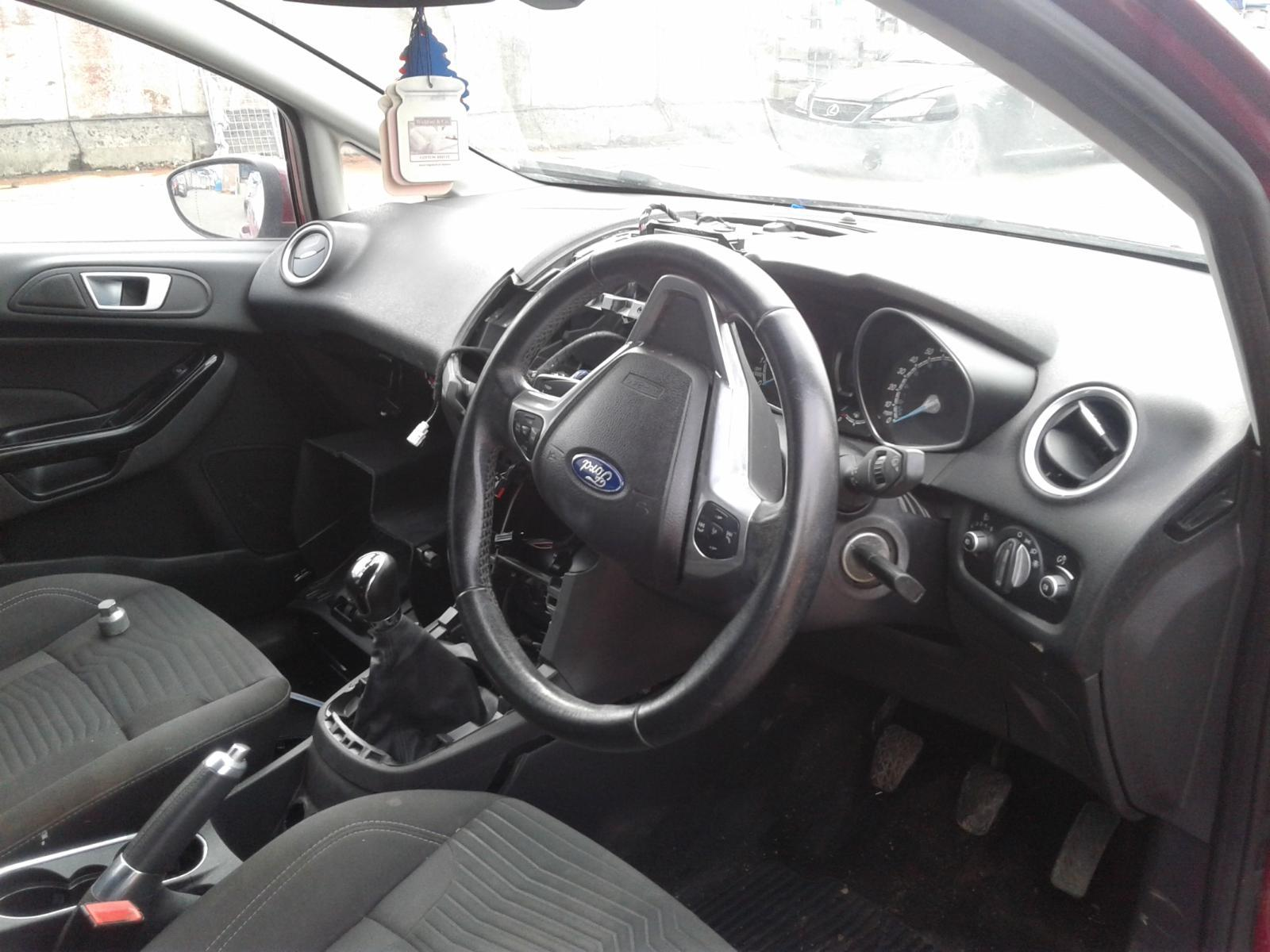 2013 FORD FIESTA Image
